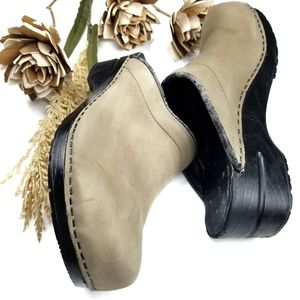 💥 Dansko 💥 Tan Beige Leather Clogs 40 9.5m